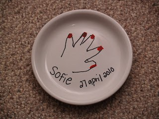 How to decorate plates so you can eat off of them