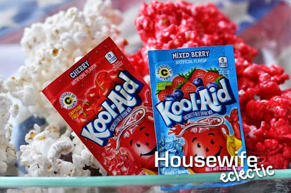 Housewife Eclectic: 4th of July Kool-Aid Popcorn #KoolOff #CollectiveBias #Shop