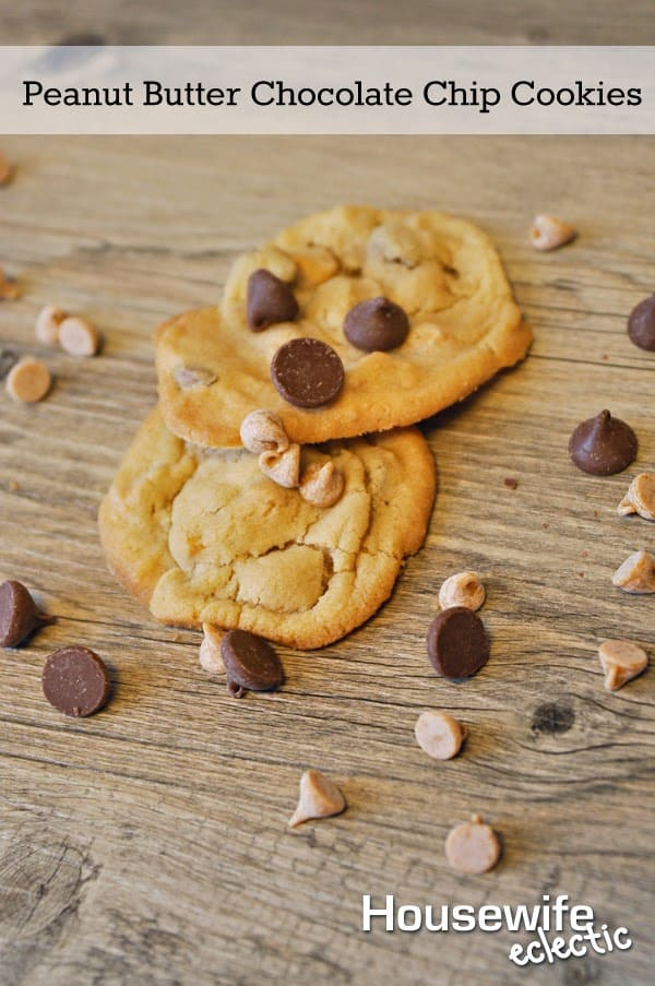 Peanut Butter Chocolate Chip Cookies | HousewifeEclectic.com