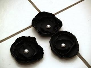 Make a satin flower belt