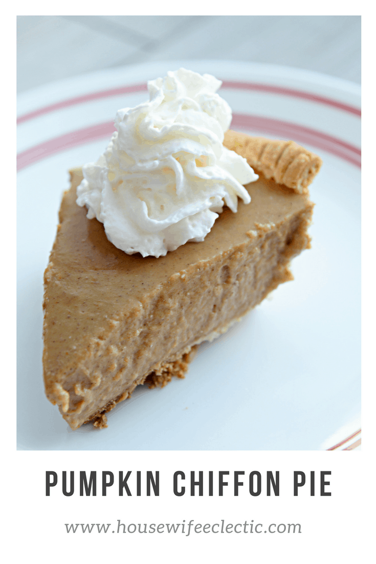 Pumpkin Chiffon Pie- Best pumpkin pie ever! - Housewife ...