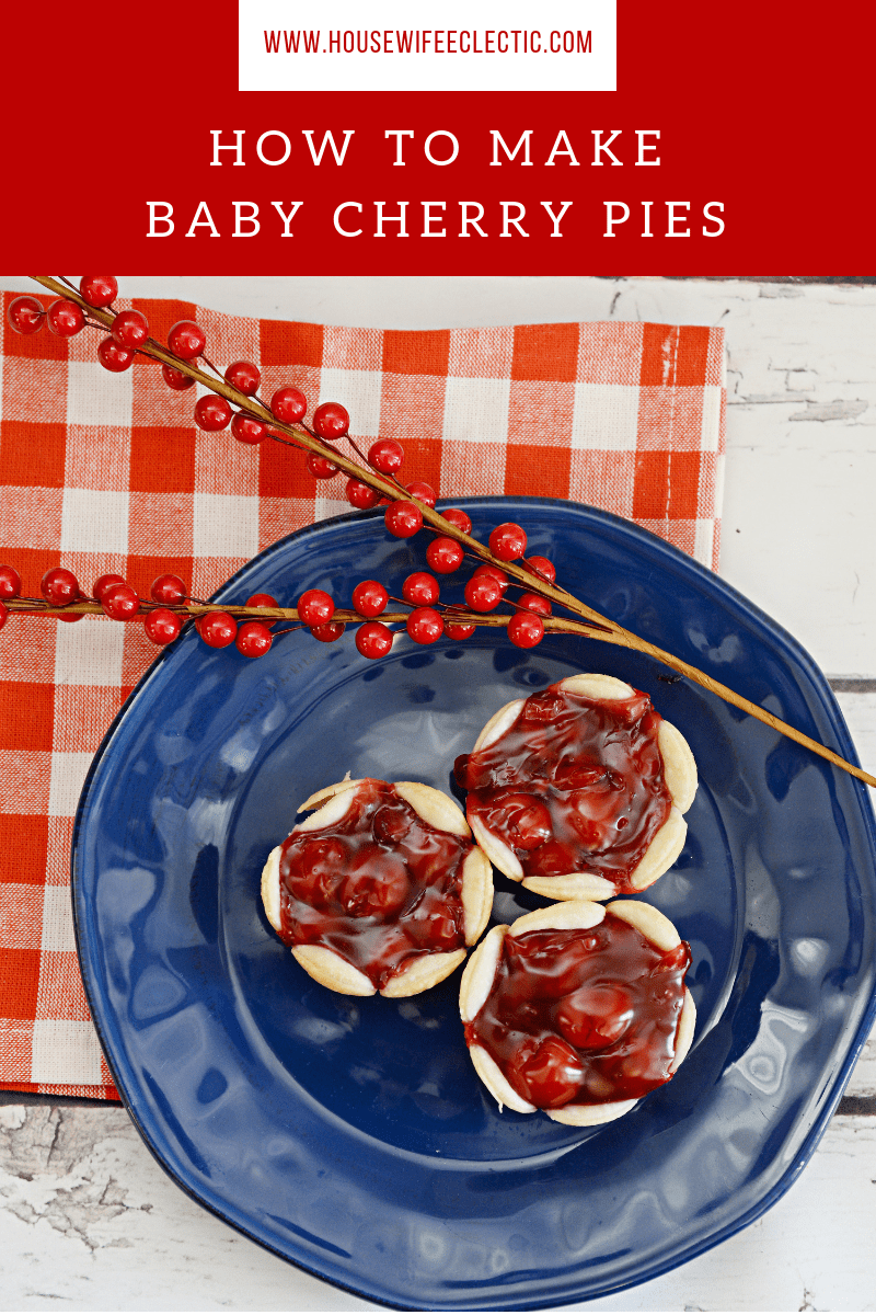 Housewife Eclectic: Baby Cherry Pies