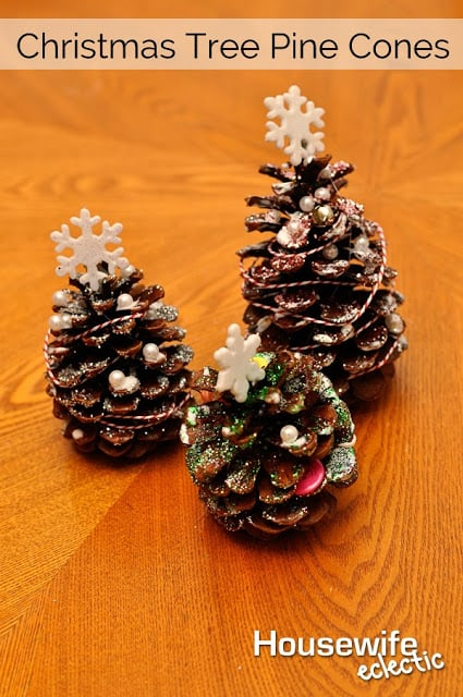 christmas tree pine cones housewife eclectic. Black Bedroom Furniture Sets. Home Design Ideas