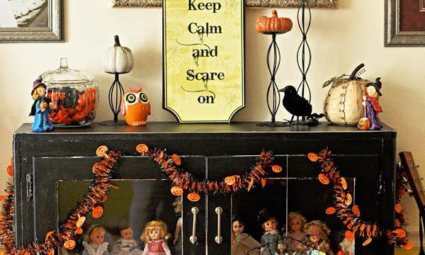 Dollar Store Halloween Mantel