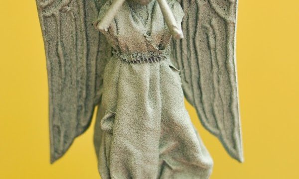 Weeping Angel Mini Statue Tree Topper