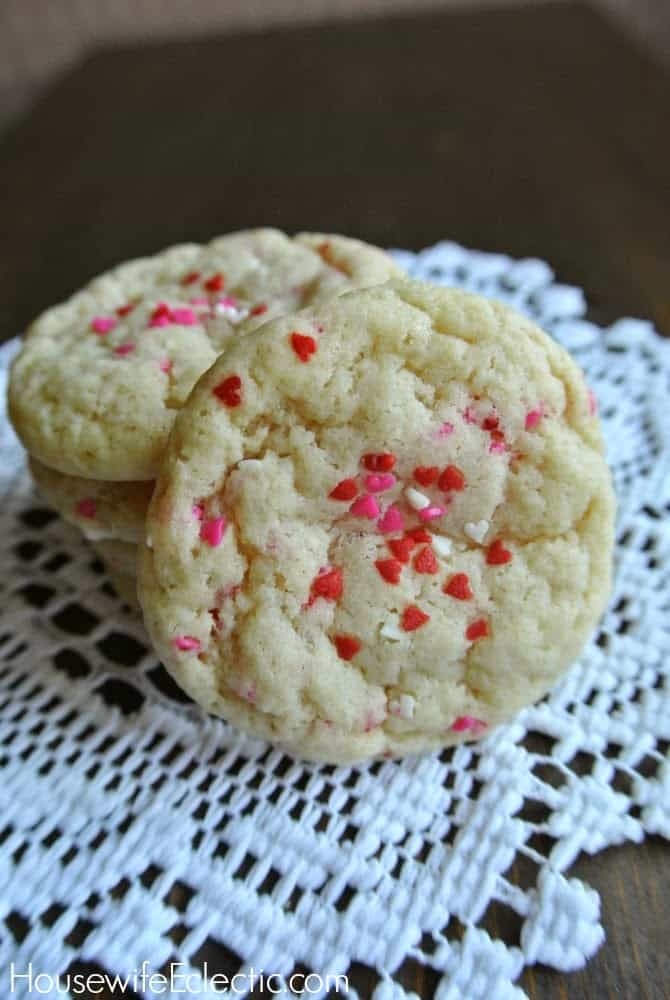 Super easy Valentine's Day holiday sugar cookies