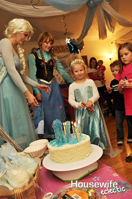 Frozen Cake for a Frozen Party