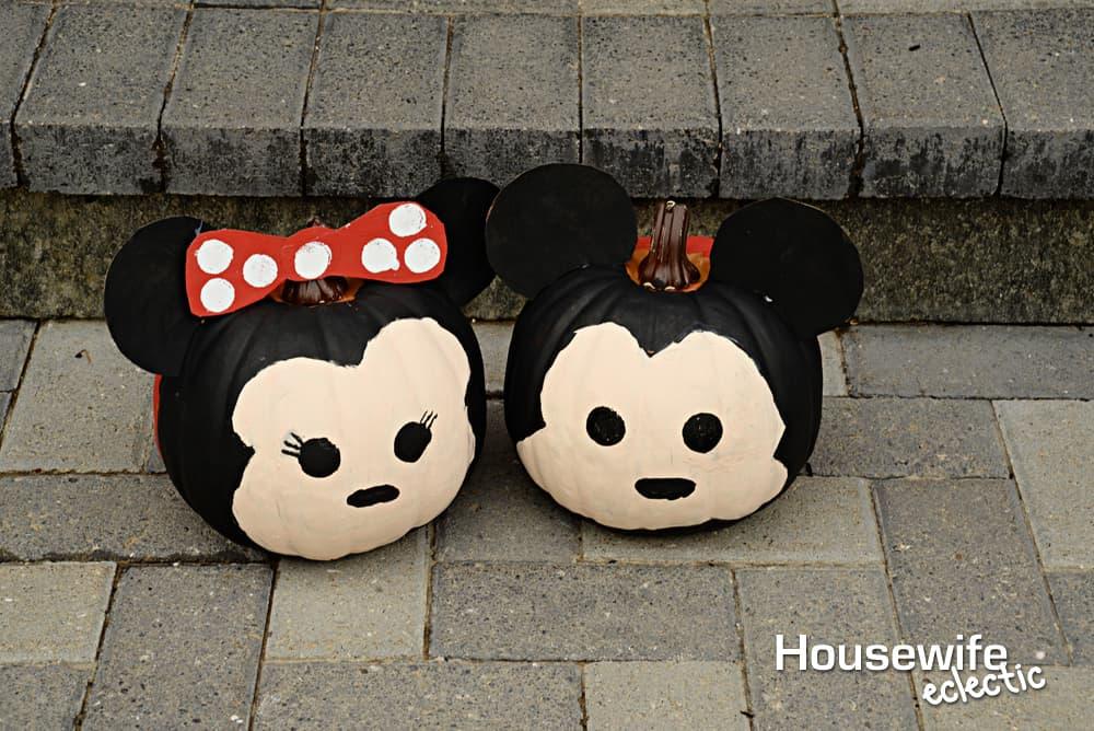 Fall Bucket List : Mickey and Minnie Tsum Tsum Pumpkins