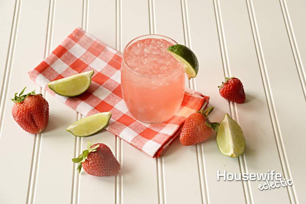 Soda Bar Drink Ideas : Strawberry Limeade