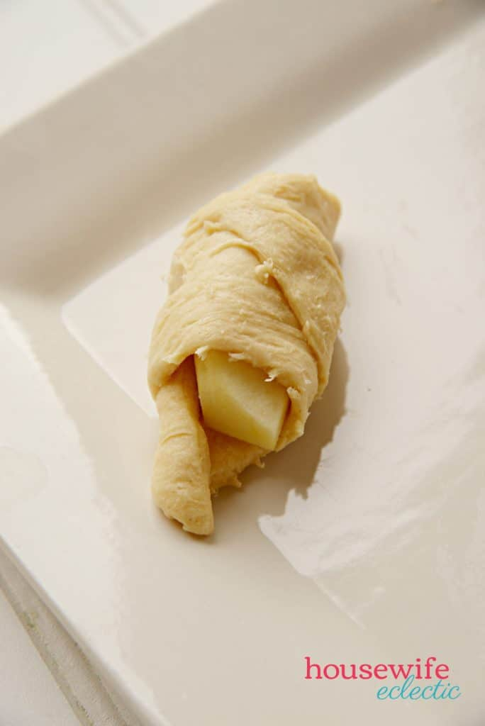 Easy Apple Dumplings : Rolled Dough with Apples