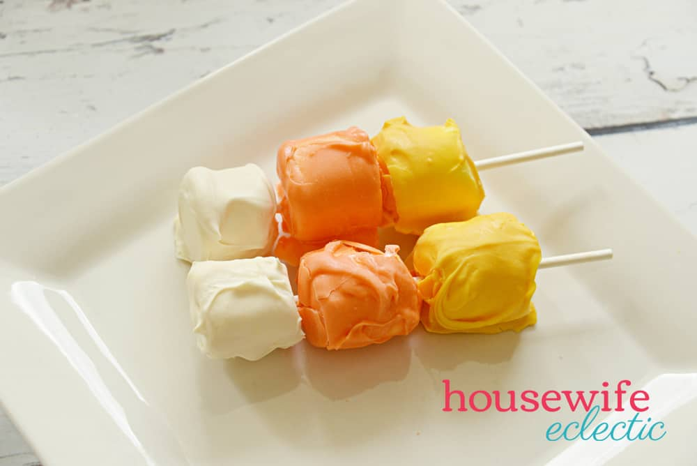 Easy Halloween Treats: Candy Corn Marshmallow Pops
