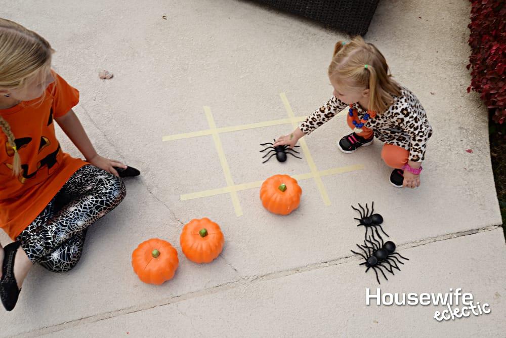 Halloween Party Games: Halloween Tic Tac Toe