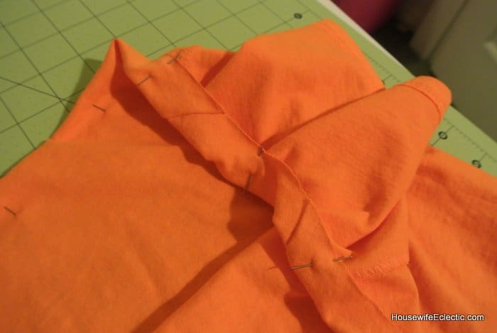 easy orange pumpkin jackolantern dress for girls from a tshirt HousewifeEclectic (13)