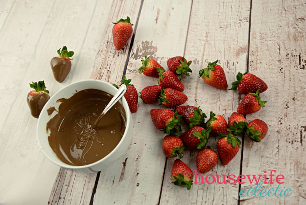 Easy Chocolate Covered Strawberries  - Melted Chocolate
