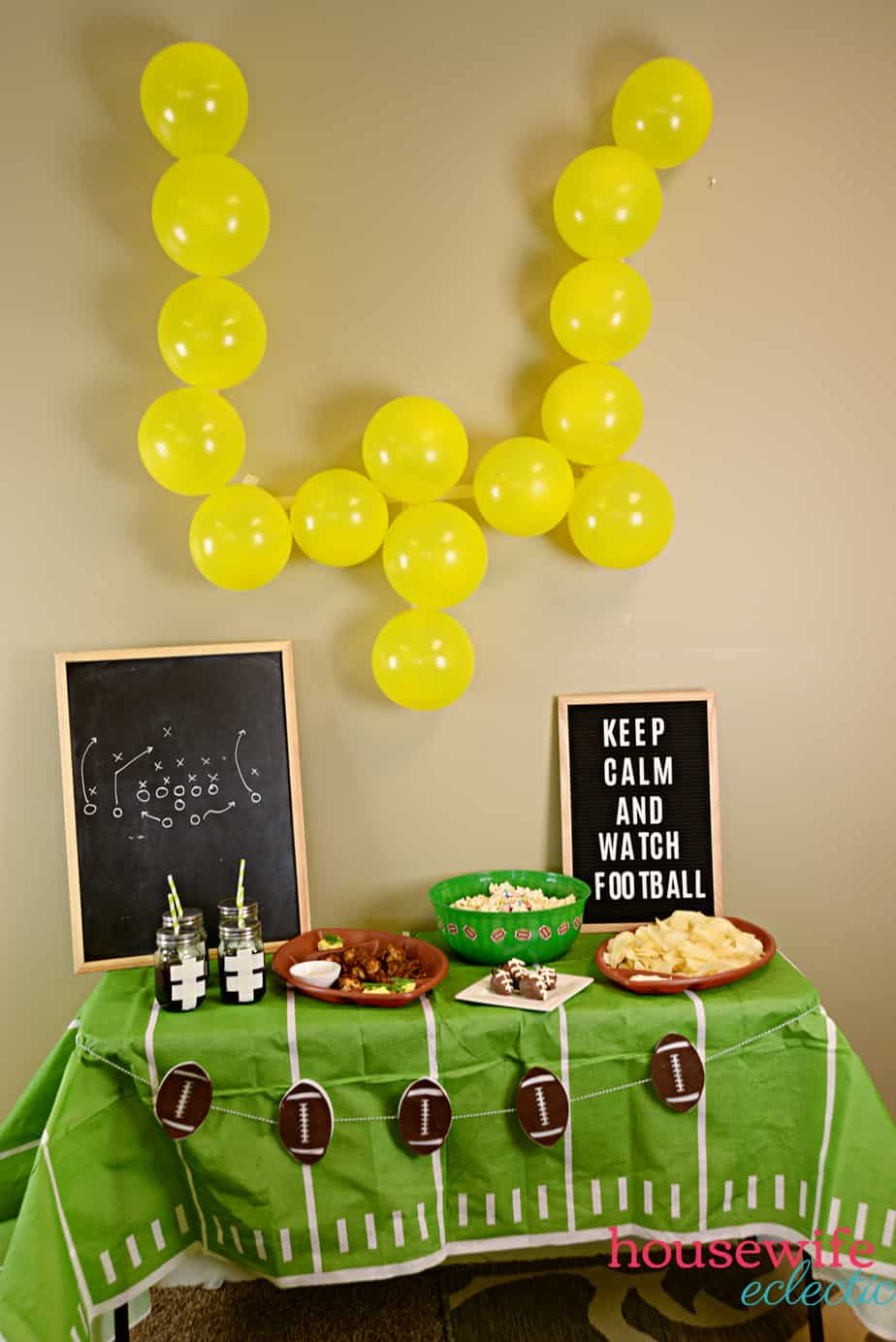 Football Party Ideas: Balloon Uprights