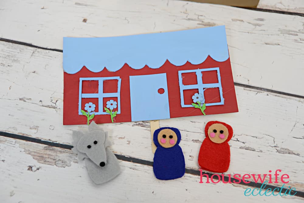 Cereal Box Puppet Theater: Little Red Riding Hood Puppets