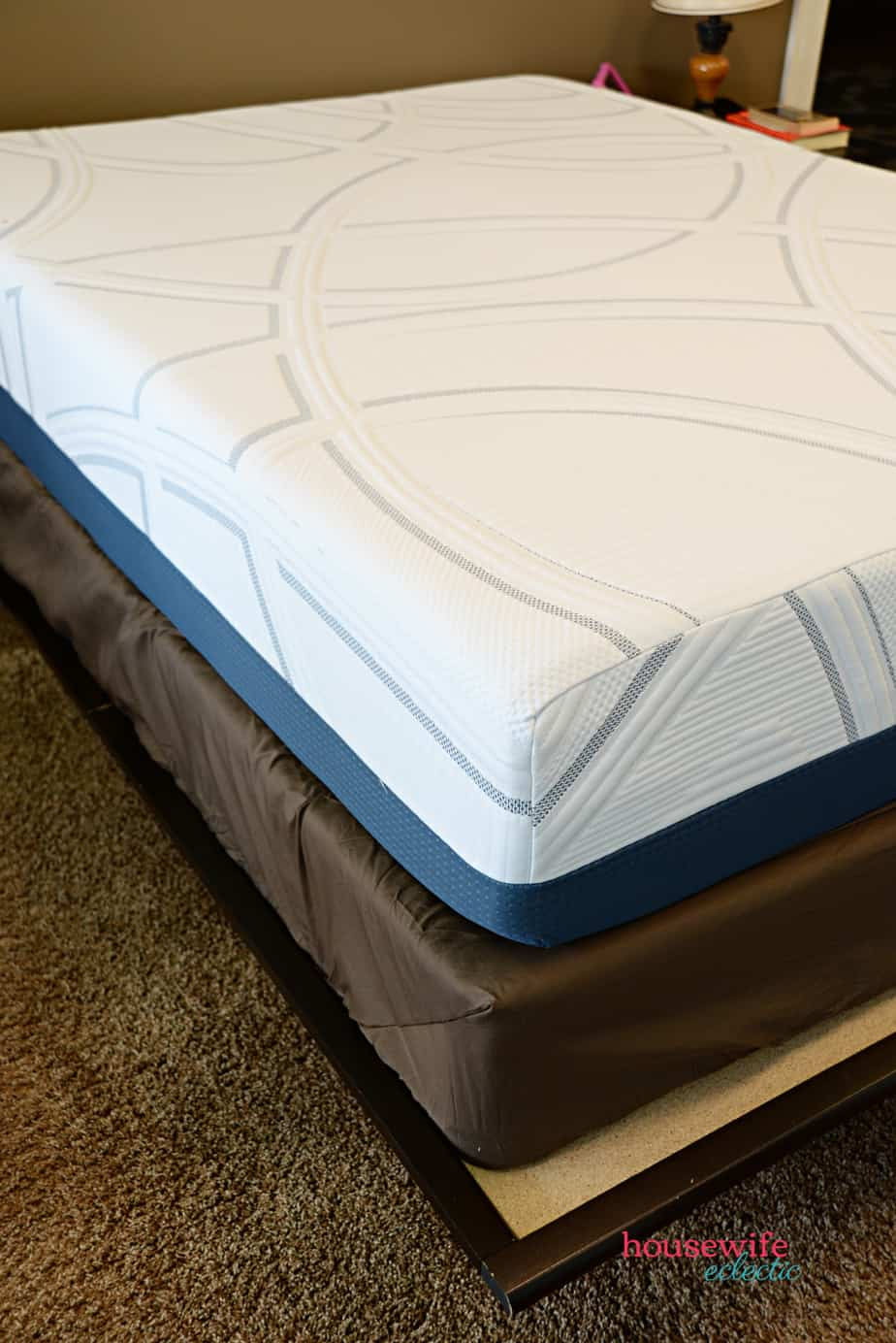 DIY Funny His and Hers Pillows : Serta Mattress