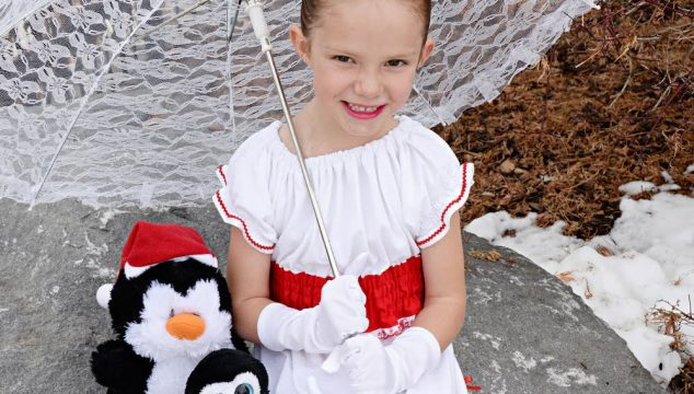 It's a Jolly Holiday! DIY Mary Poppins Dress for Little Girls