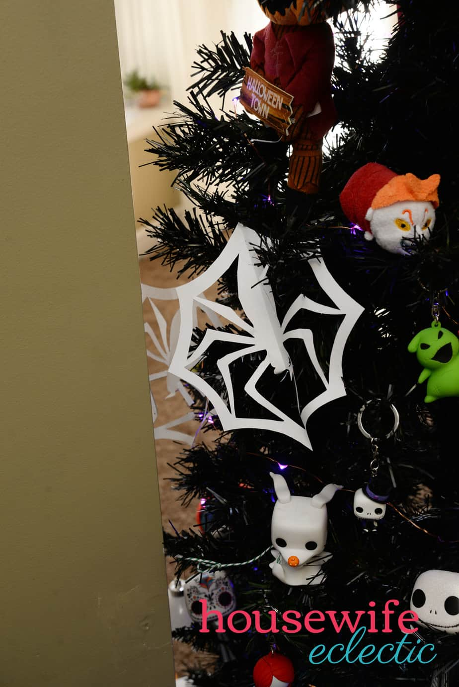 The Nightmare Before Christmas Tree - Housewife Eclectic