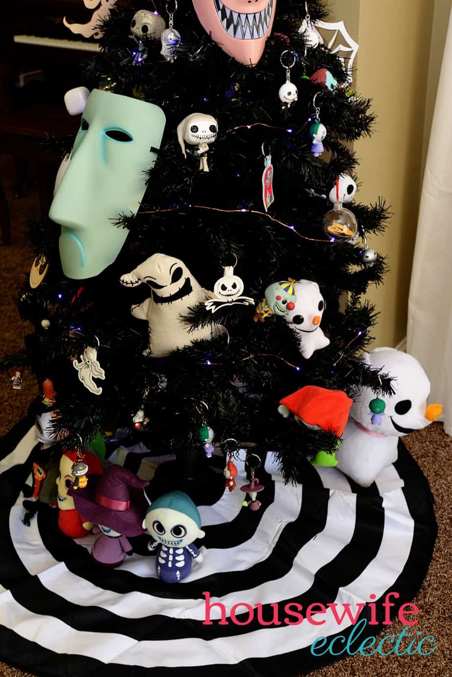 Nightmare Before Christmas Tree 8 - Housewife Eclectic