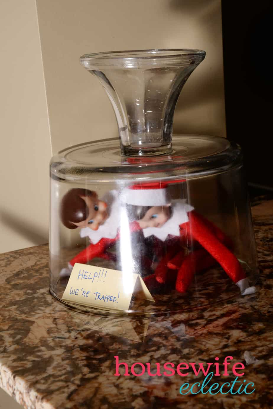 Housewife Eclectic: Easy Elf on the Shelf Schedule and Ideas