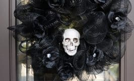 Deco Mesh Skull Wreath