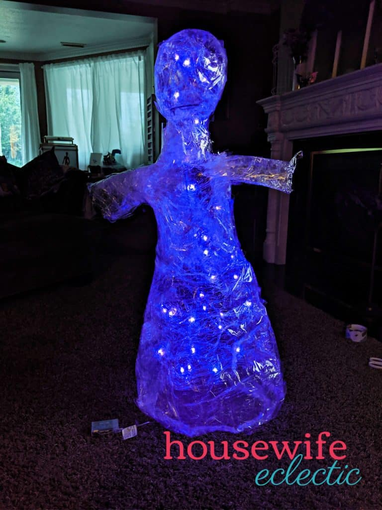 Housewife Eclectic: Packing Tape Ghosts